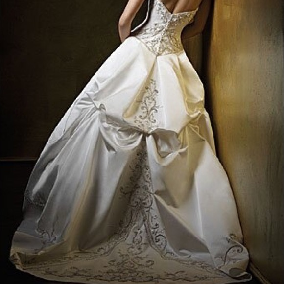 42c2bff4ffbbb piccione Dresses   Alfred Angelo Wedding Ball Gown 408   Poshmark